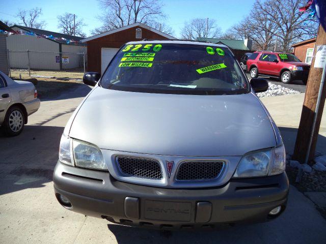 2000 Pontiac Montana 2WD 2dr Supercab 126