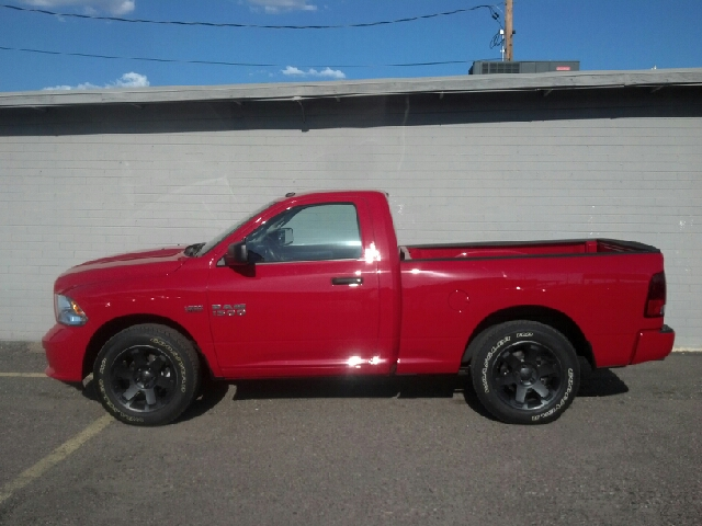 2013 RAM Ram Pickup Ext Cab - Sport 4x4 At Red