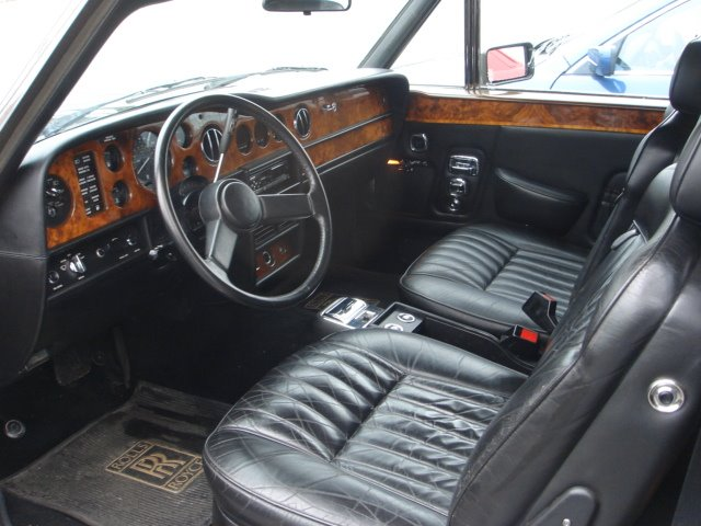 1985 Rolls Royce Corniche Base