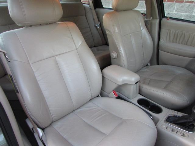 2003 Saturn L-Series T6 AWD 7-passenger Leather Moonroof