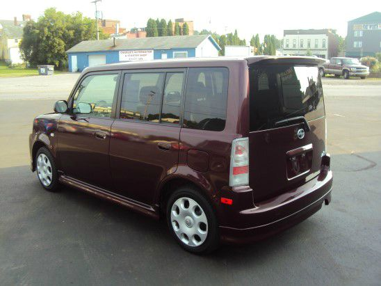 2005 Scion xB SW2