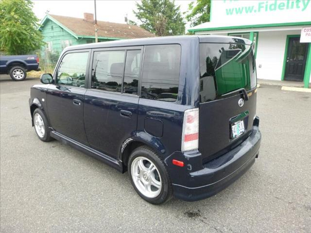 2005 Scion xB T6 AWD Moon Roof Leather