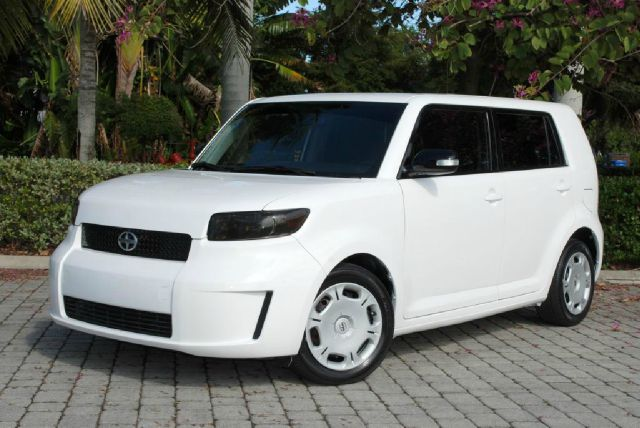 2010 Scion xB 1500 LS Ext. Cab Sportside
