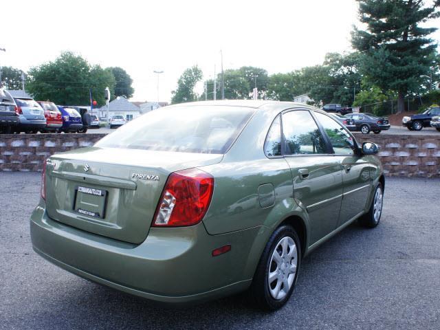 2005 Suzuki Forenza XR