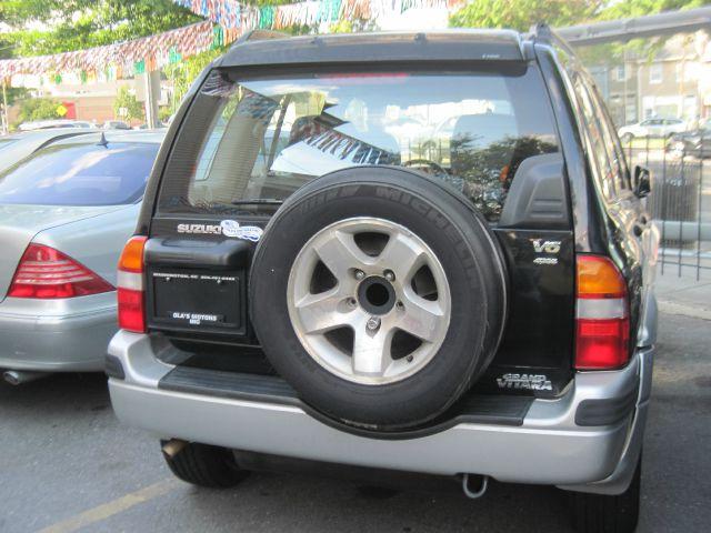 2000 Suzuki Grand Vitara SSE