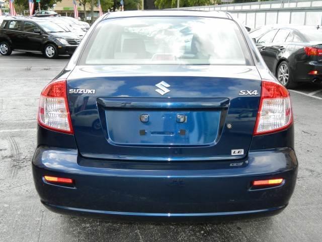 2010 Suzuki SX4 Sedan 2500hd
