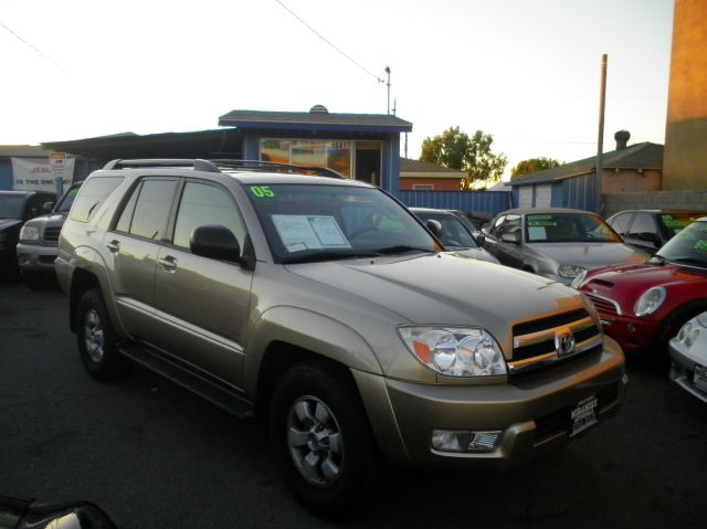 2005 Toyota 4Runner 550i 4dr Sdn RWD