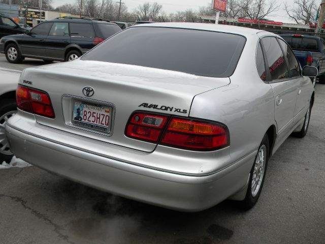 1999 Toyota Avalon LS Flex Fuel 4x4 This Is One Of Our Best Bargains