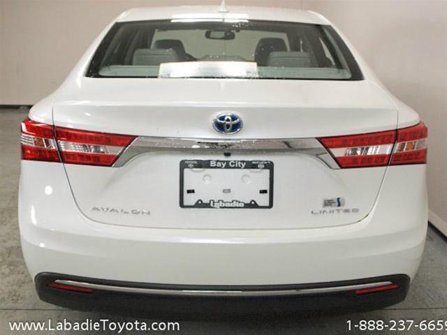 2014 Toyota Avalon Hybrid SLT 25