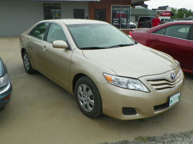 2011 Toyota Camry LE 4 DR Xtracab V6 Manual