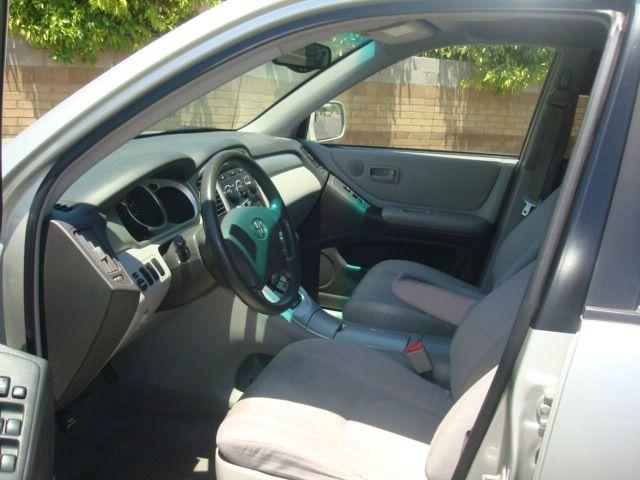 2004 Toyota Highlander 2.4T Premium