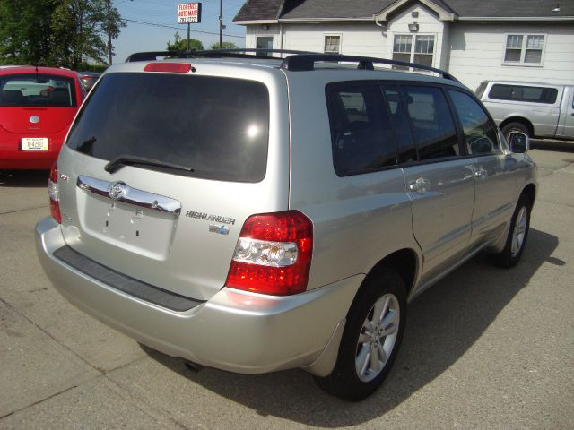 2007 Toyota Highlander Hybrid LS Flex Fuel 4x4 This Is One Of Our Best Bargains