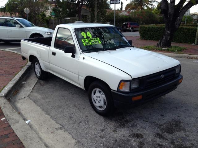 1994 Toyota Pickup Base