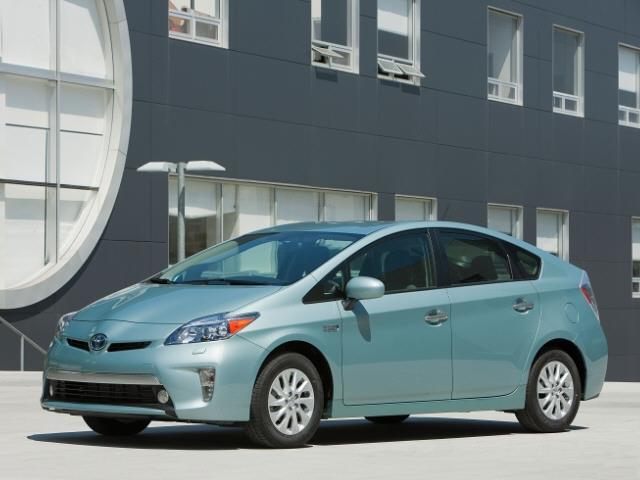 2013 Toyota Prius Plug-in Slt-2