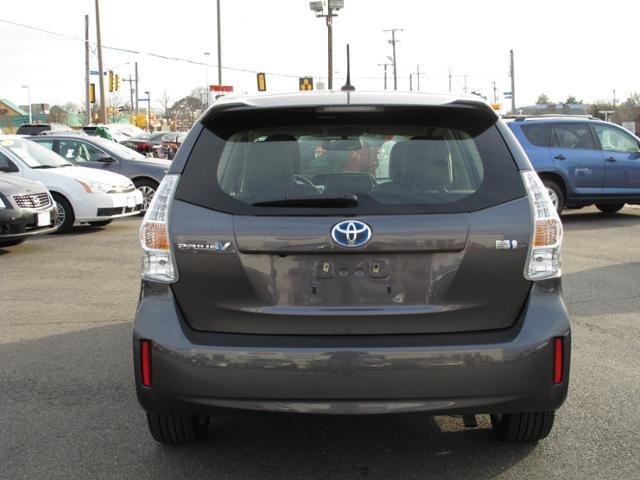 2012 Toyota Prius v Base 3000 DOWN WE Finance