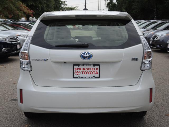 2014 Toyota Prius v Base 3000 DOWN WE Finance
