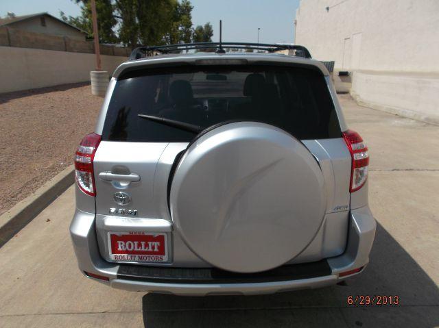 2011 Toyota RAV4 5dr 7-pass Van LE AWD (SE)