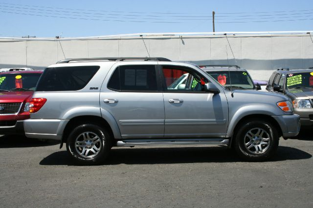 2003 Toyota Sequoia L.T. 4-w.d. 5.3L