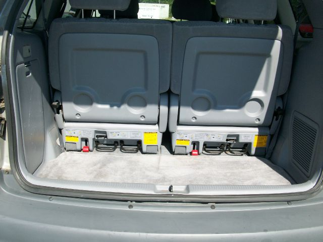 2003 Toyota Sienna SEL Sport Utility 4D