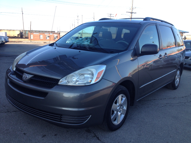 2005 Toyota Sienna S 2WD 4-spd AT