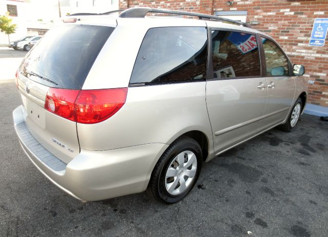 2006 Toyota Sienna XLT 4.6L 4WD