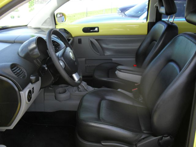 2002 Volkswagen Beetle FWD 4dr Sport