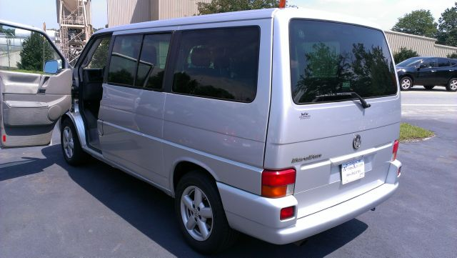 2003 Volkswagen EuroVan Deluxe Sport