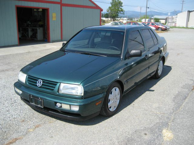 1996 volkswagen jetta s sedan details post falls id 83854. Black Bedroom Furniture Sets. Home Design Ideas