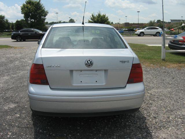 2003 Volkswagen Jetta I-4 Manual
