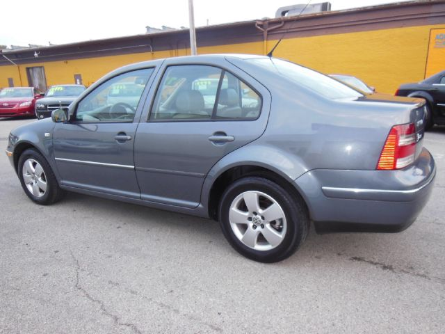 2004 volkswagen jetta 2wd crew cab 169 st details. Black Bedroom Furniture Sets. Home Design Ideas