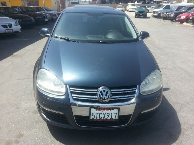 2005 volkswagen jetta reg cab 135 5 wb 4wd drw details. Black Bedroom Furniture Sets. Home Design Ideas