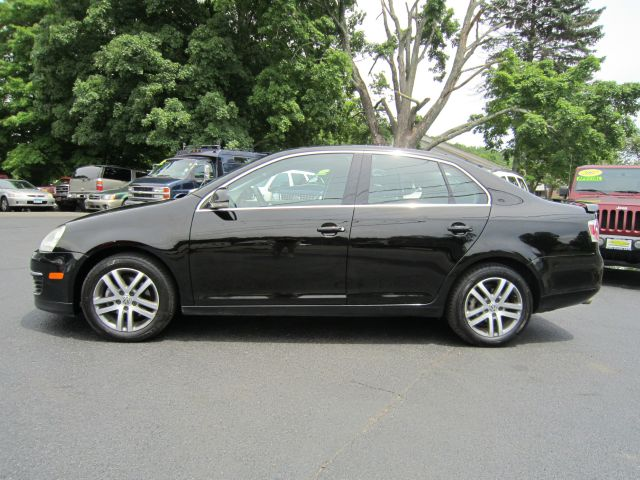 2006 volkswagen jetta reg cab 135 5 wb 4wd drw details. Black Bedroom Furniture Sets. Home Design Ideas