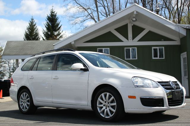 Used cars rensselaer ny find used cars in rensselaer ny for Broadway motors rensselaer ny