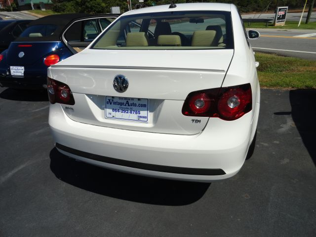 2009 Volkswagen Jetta CD With MP3