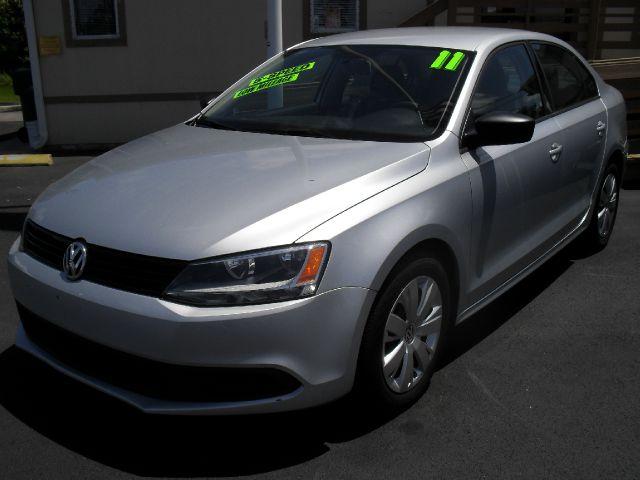 2011 Volkswagen Jetta LS Flex Fuel 4x4 This Is One Of Our Best Bargains