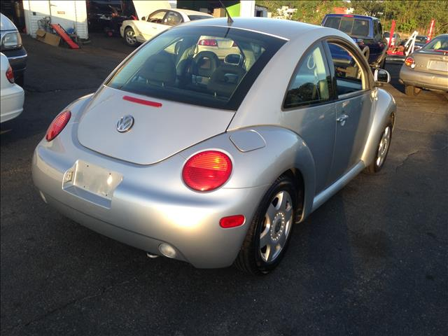 2000 Volkswagen New Beetle T6 AWD Leather Moonroof Navigation