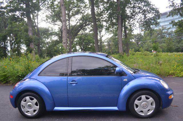 2000 Volkswagen New Beetle 1LT