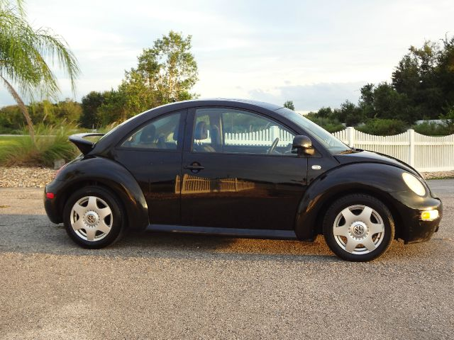 2000 volkswagen new beetle 4dr 112 wb awd details land o. Black Bedroom Furniture Sets. Home Design Ideas