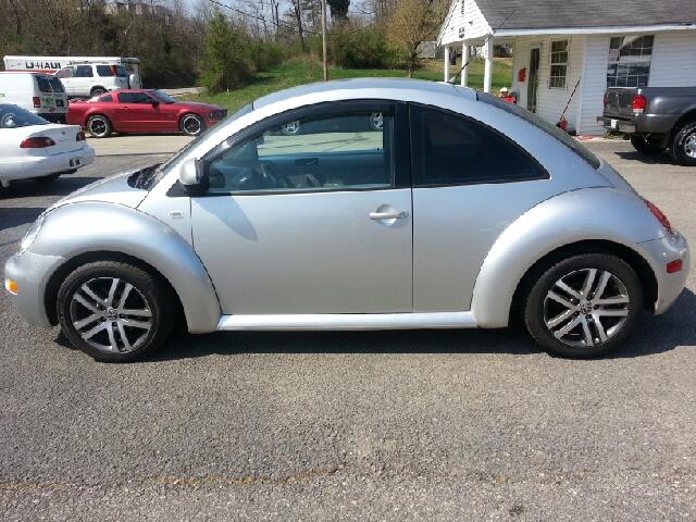 2000 Volkswagen New Beetle S Sedan