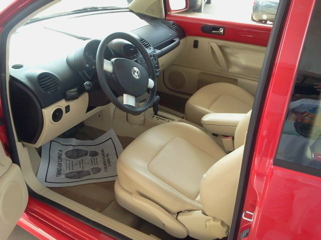 2002 Volkswagen New Beetle 4dr 112 WB AWD