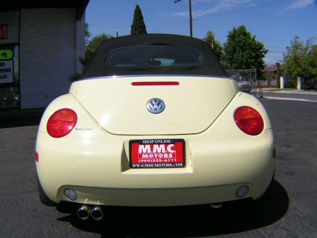 2003 Volkswagen New Beetle 29