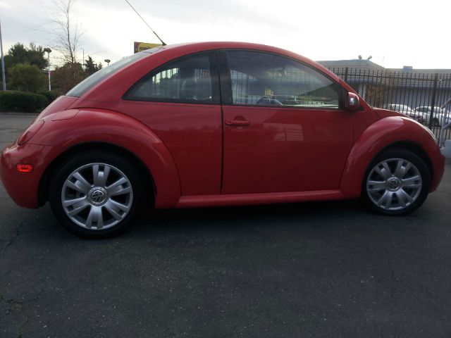 2003 Volkswagen New Beetle Crewmax-short-limited-sunroof-6 CD Jbl-newer Tires