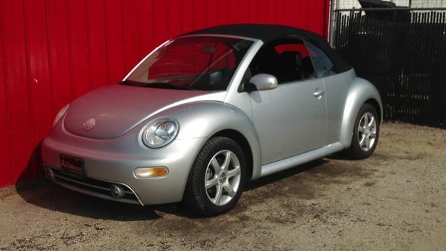 2004 Volkswagen New Beetle FWD 4dr Sport