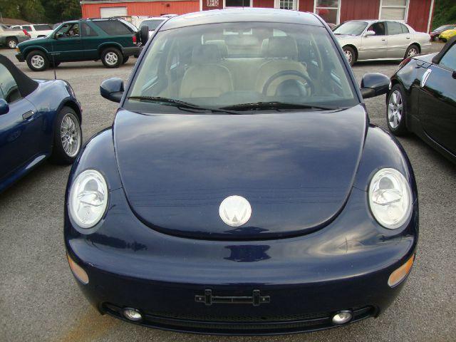 2004 Volkswagen New Beetle 143.5 LTZ