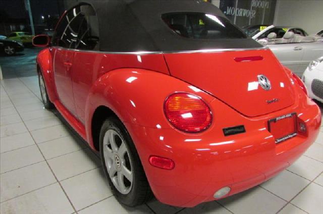 2005 Volkswagen New Beetle FWD 4dr Sport