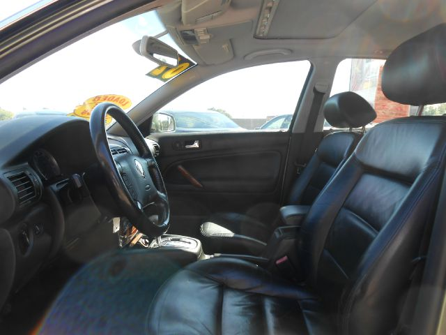 2002 Volkswagen Passat LS W/leather Seats