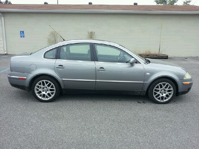 2003 Volkswagen Passat LS W/leather Seats