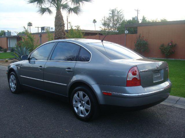 2003 Volkswagen Passat LS W/leather Seats