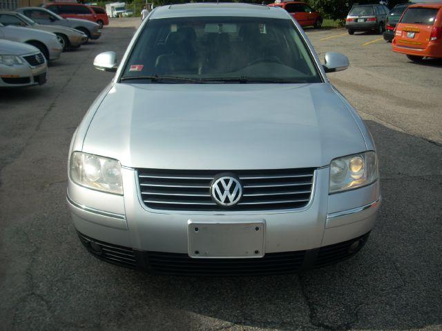2005 Volkswagen Passat 4dr 112 WB AWD