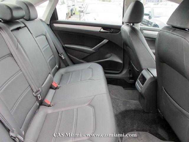 2012 Volkswagen Passat XLT Xcab5.4